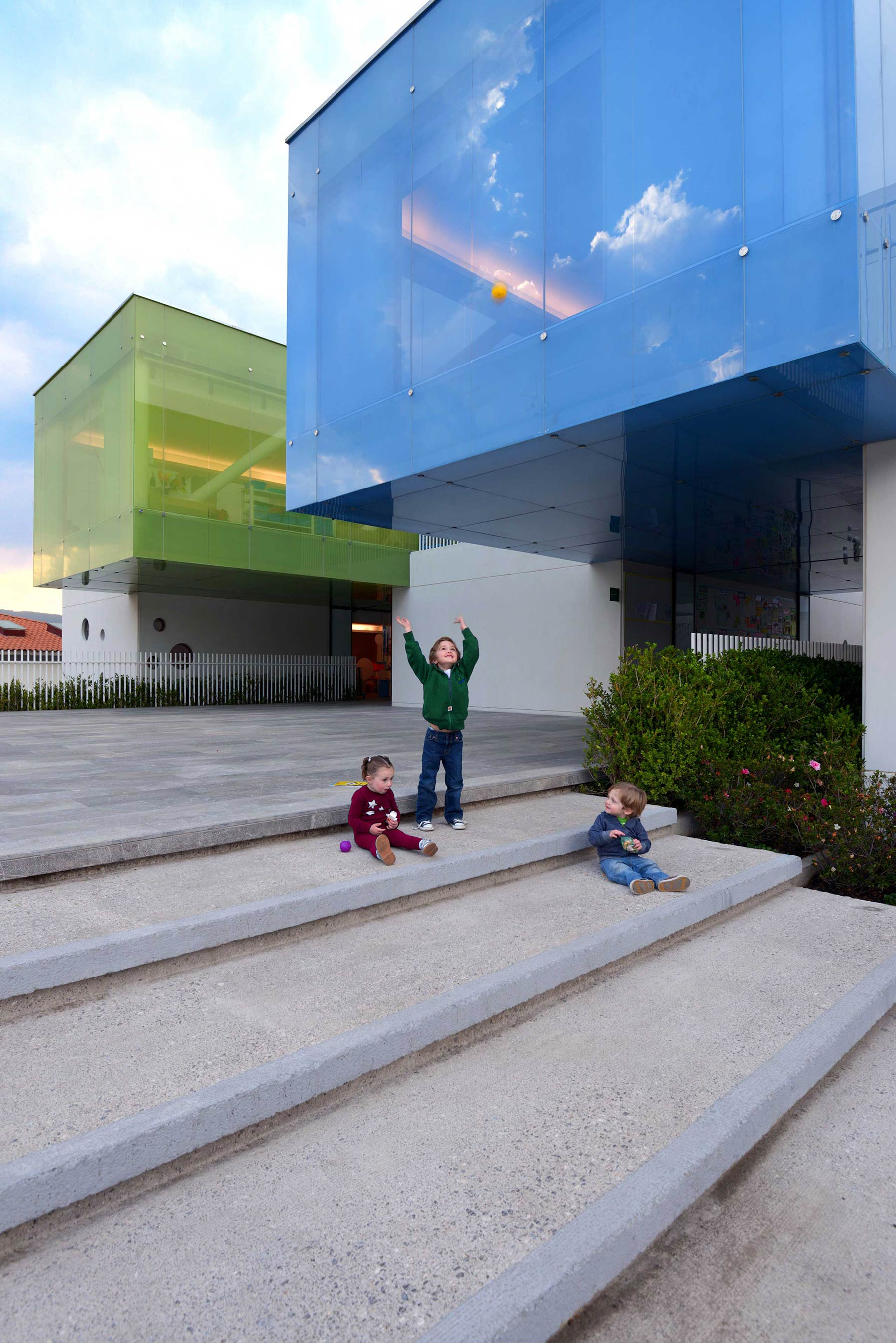 Photo. CEMEX Building Award Mexico Series: The great challenge of building for the little ones.