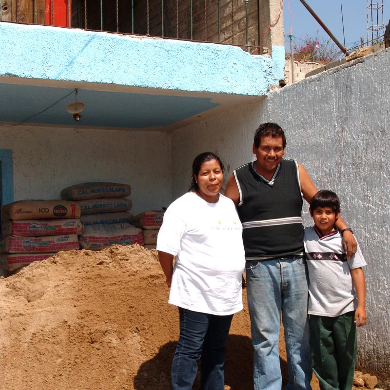 Photo. 480,000 families have benefitted from Patrimonio Hoy.