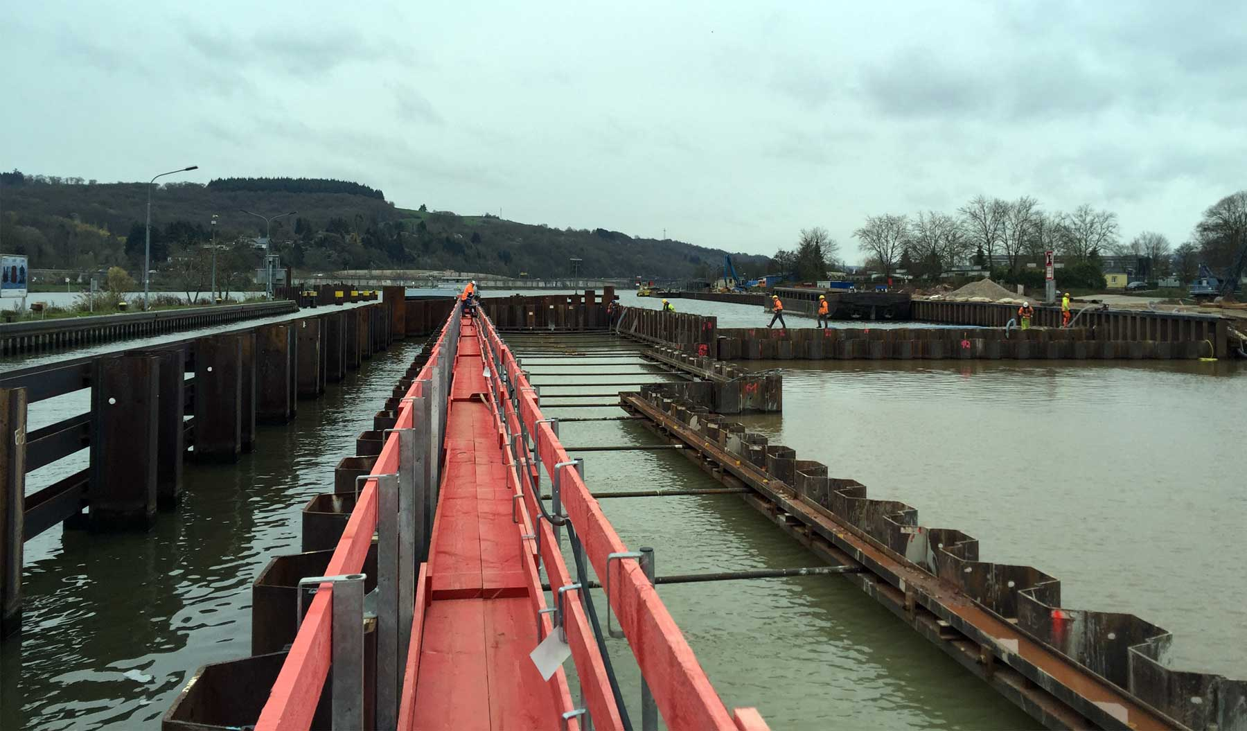 Thanks to the additional chamber, future repair works won't interrupt Moselle River's traffic.   Credits: CEMEX Deutschland AG